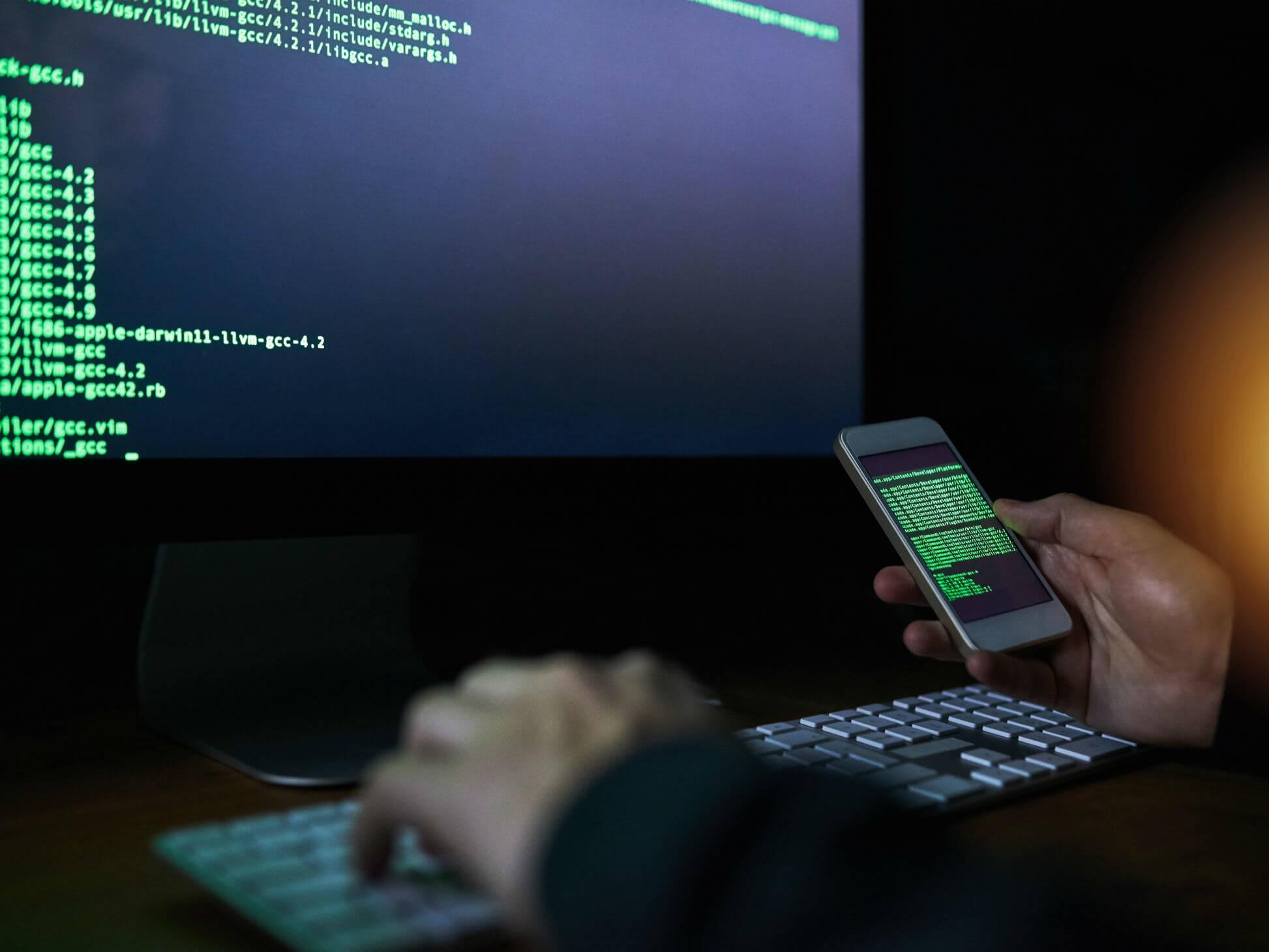 برنامه ردیابی موبایل با APK Mobile Tracker   کنترل و ردیابی